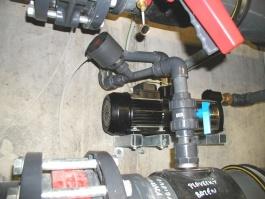 Injektor se zpětným ventilem